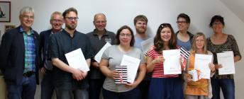blista-Direktor Claus Duncker, Dr. Werner Hecker und die acht neuen Fachkräfte der Blinden- und Sehbehindertenrehabilitation