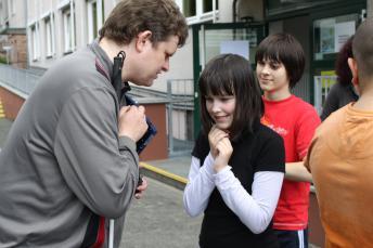 Lehrer und Schüler im Gespräch