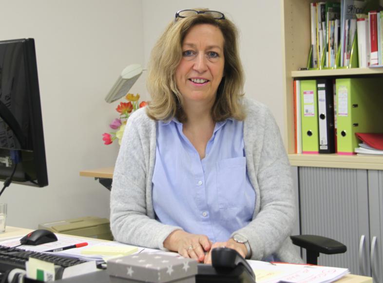 Halbportrait der Elternberaterin Barbara Krönert Ritz