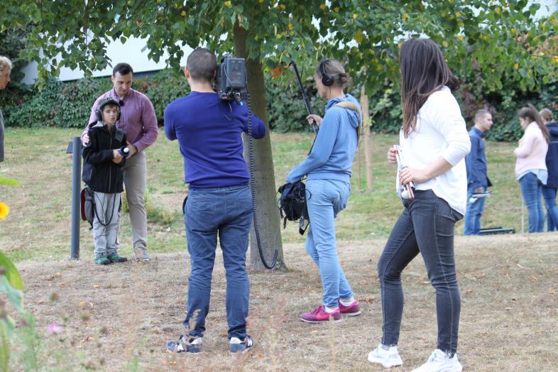Das Kamerateam und der Schüler