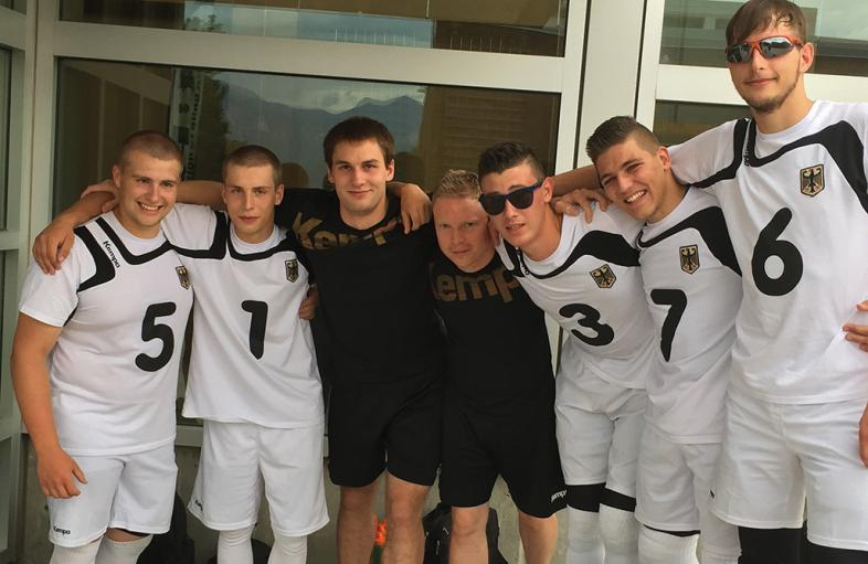 Das Marburger Goalball-Team für Rio in ihren Weißen Mannschafts-Trikots