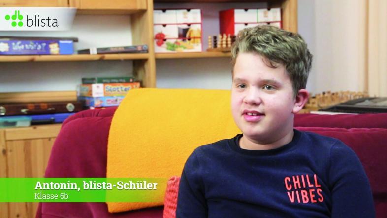 Screenshot von blista-Schüler Antonin im WG-Wohnzimmer
