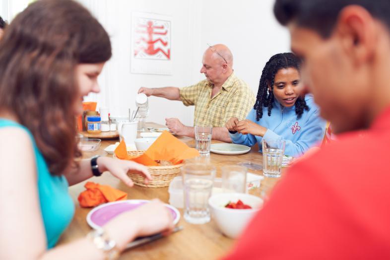 Gemeinsame Mahlzeit in einer WG