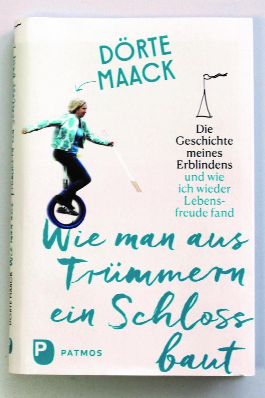 Das abgebildete Buchcover zeigt eine Frau beim Einradfahren