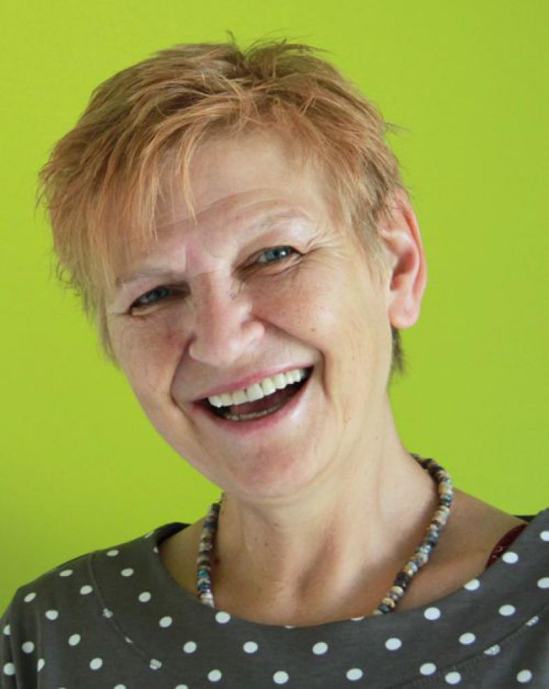 Doris Seidemann lacht in die Kamera