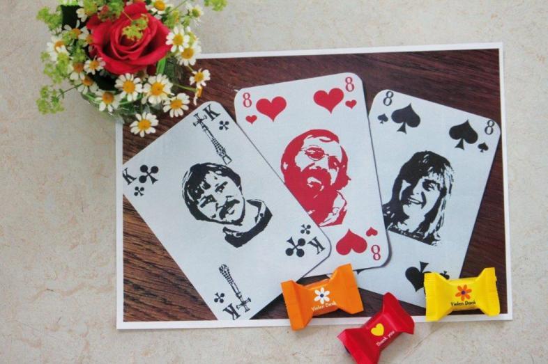 Die Abbildung zeigt die im Text beschriebenen Spielkarten.