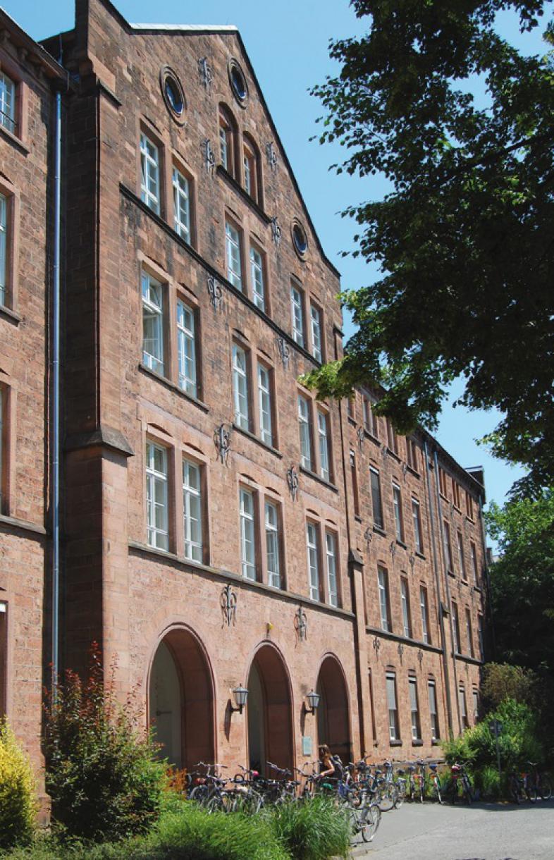 Das Gebäude des Psychologischen Instituts Marburg