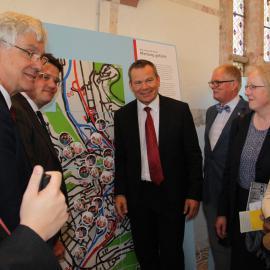 Ausstellungseröffnung mit Staatsminister Boris Rhein, Katharina Krause, Präsidentin der Philippsuniversität, blista-Direktor Claus Duncker u.a.