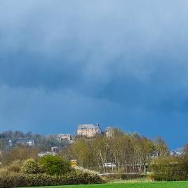 Blick über das Cappeler Feld zum Marburger Schloss