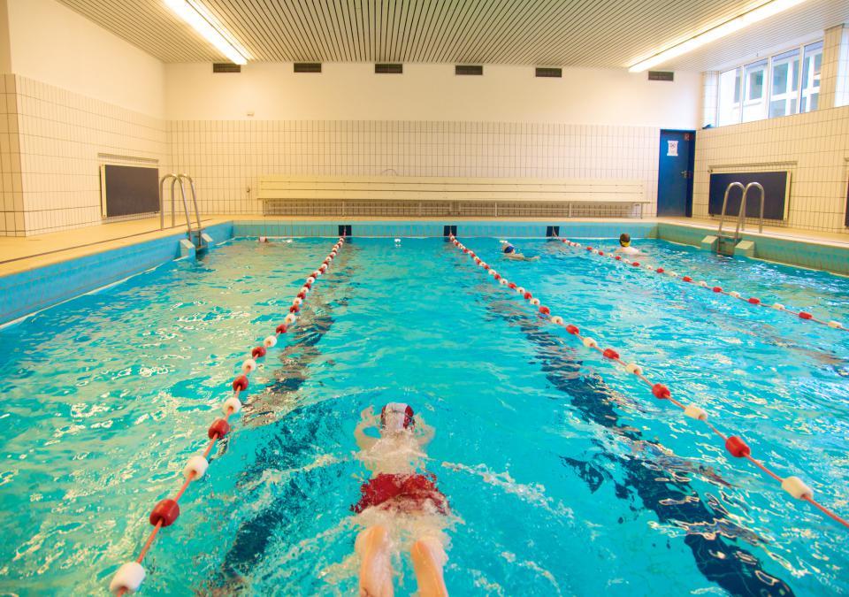 Bild 7 von 12: In der Schwimmhalle der blista