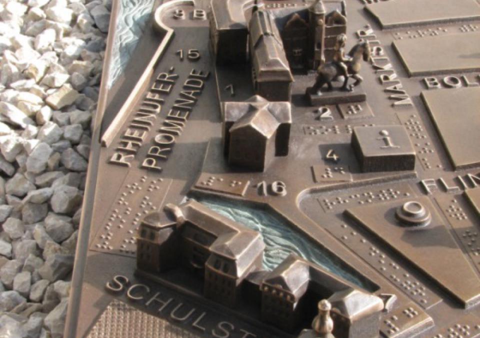 Bild 7 von 17: Die blista stellt taktile Pläne her - hier ein Ausschnitt des Modells der Düsseldorfer Altstadt