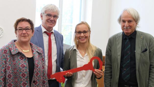 Stadträtin Kirsten Dinnebier (v.l.n.r.), blista-Direktor Claus Duncker, Kinderhaus-Leiterin Rebekka Asbach und Architekt Thomas Oesterle.